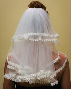 lace trim mid-back length veil front