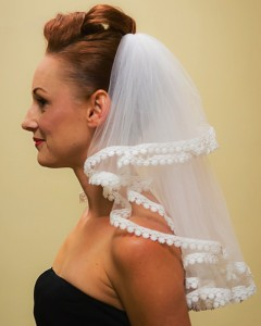 lace trim mid-back length veil side